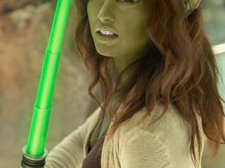 Femme Old Yoda